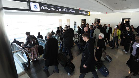 入境美國時,有簽證不代表你一定可以入境,海關還是有權力遣返任何人。