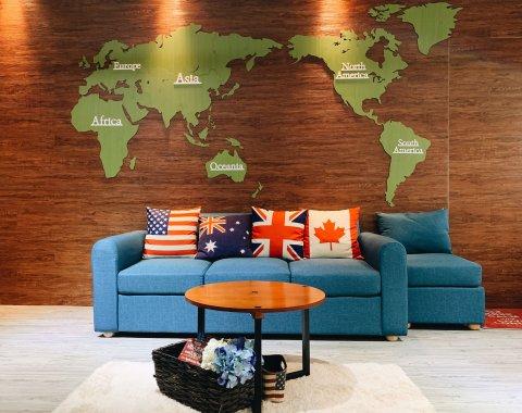 台北辦公室沙發區