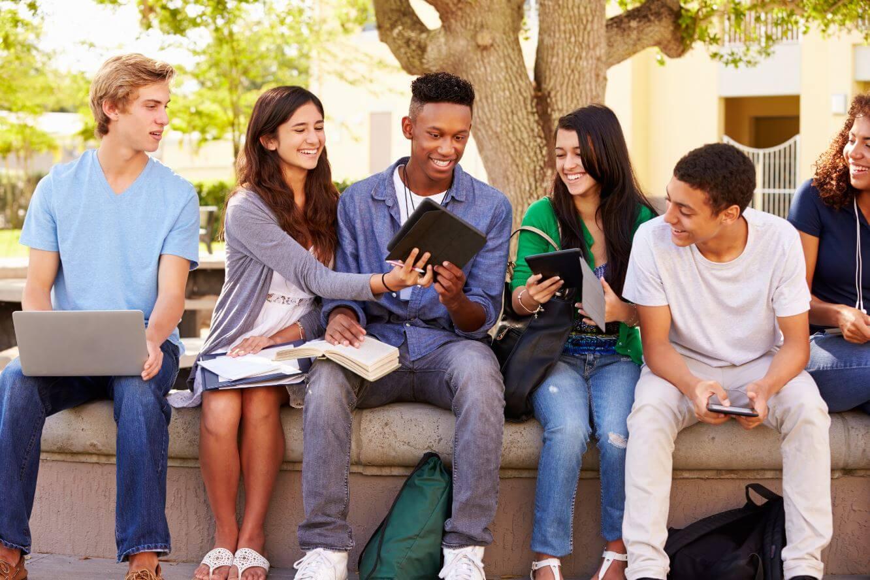 英國美國高中公立私立差別